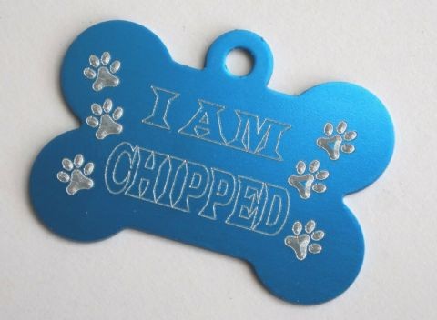 I'M CHIPPED PERSONALISED 38MM BLUE BONE DOG TAG WITH 3D PAWS - YOUR INFO ON BACK